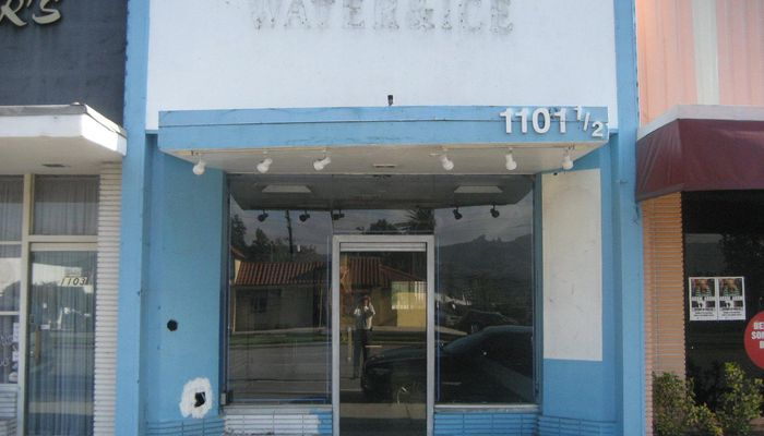 Warehouse for Lease located at 1101½ W. Glenoaks Blvd. Glendale, CA 91202
