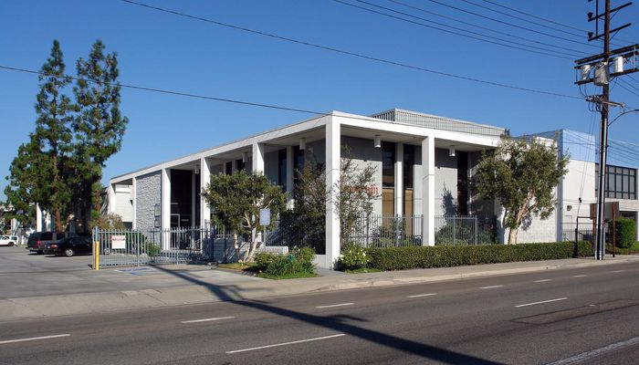 Office Space for Lease located at 11203 S. La Cienega Blvd. Los Angeles, CA 90045