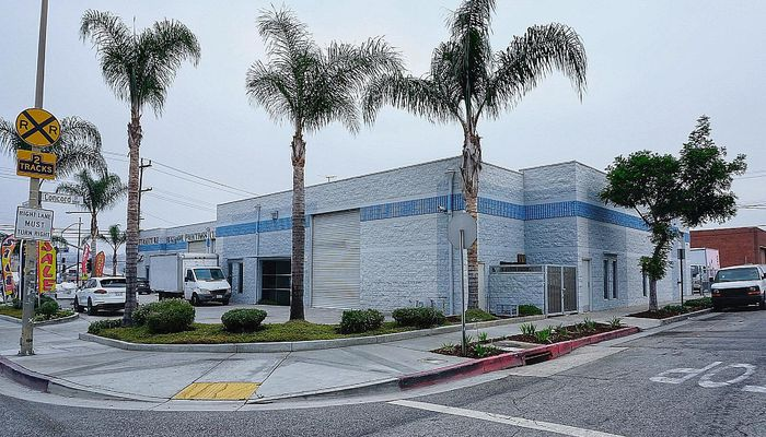 Warehouse for Lease located at 733-741 W Broadway Glendale, CA 91204