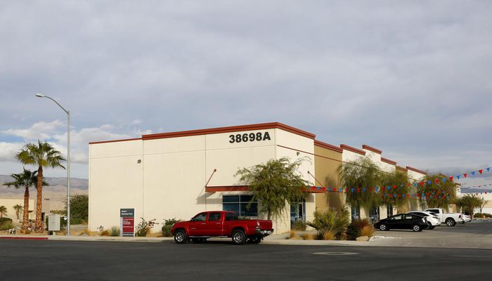 Warehouse for Lease located at 38698A El Viento Rd Palm Desert, CA 92211