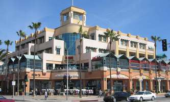 Retail Space for Rent located at 300 Pacific Coast Hwy Huntington Beach, CA 92648