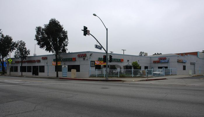 Warehouse for Lease located at 4300-4310 San Fernando Rd Glendale, CA 91204
