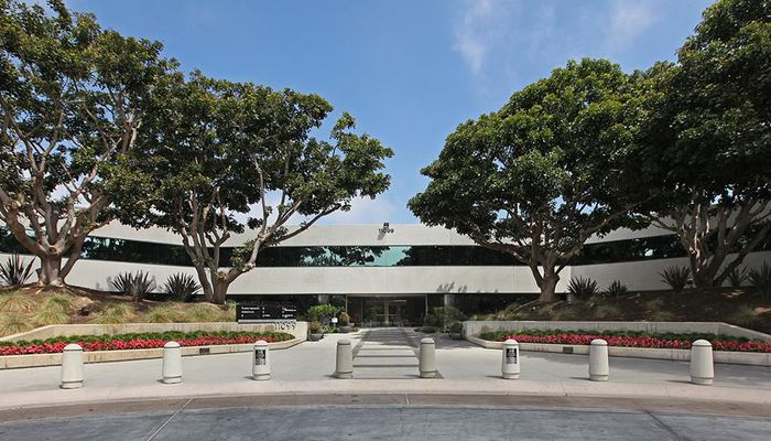 Lab Space for Lease located at 11099 N. Torrey Pines La Jolla, CA 92037