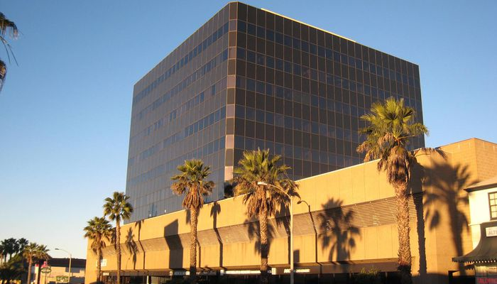 Office Space for Lease located at 2811 Wilshire Blvd. Santa Monica, CA 90403