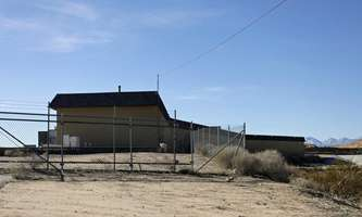 Warehouse for Rent located at 17437 Lemon St Hesperia, CA 92345