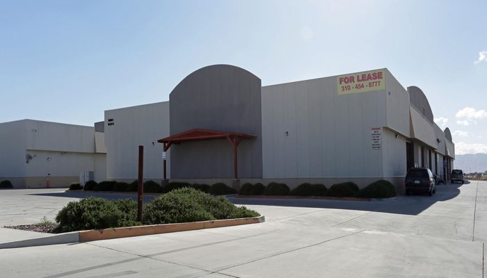 Warehouse for Lease located at 10881 Santa Fe Ave Hesperia, CA 92345